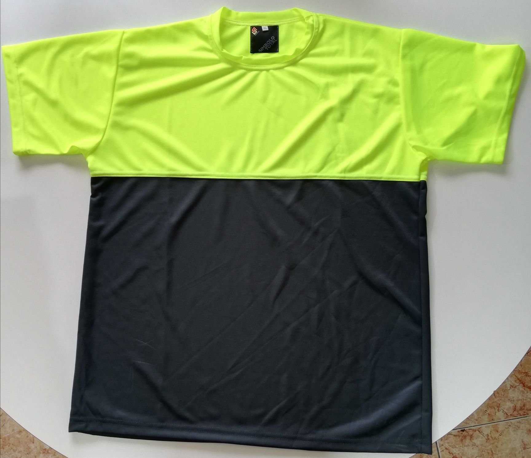 T-shirt bicolor 100% poliester - 2,50+IVA